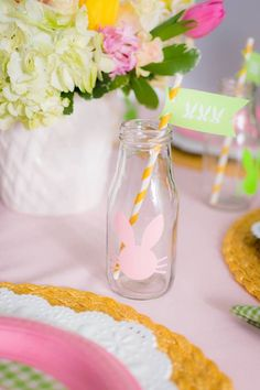 Looking for a perfect plan for an Easter party? This Easter Bunny Brunch at Kara's Party Ideas has the cutest ideas for your spring party! Brunch Party, Easter Brunch, Easter Party, Spring Party, Affair, Bunny, Table Decorations, Projects, Easter Decor