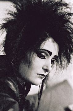 Siouxsie Sioux - Oh yes, that were horney times in the eighties ;)