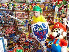 Il entre au livre des records avec sa collection de 8000 produits dérivés de jeux vidéo !
