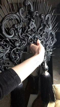 Bridesmaid Accessories, Wedding Hair Accessories, Gothic Hairstyles, Wedding Hairstyles, Dark Fashion, Fashion Art, Black Hair Pieces, Medieval Witch, Head Crown