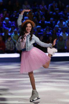 Evgenia Medvedeva Kim Yuna, Ice Skating, Figure Skating, Figure Ice Skates, Alina Zagitova, Medvedeva, Ice Dance, Hanyu Yuzuru, Rhythmic Gymnastics