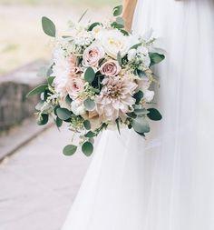 Summer bridal bouquet www.de- Sommer Brautstrauß www.de # Bridal bouquet – Summer bridal bouquet www.de Summer bridal bouquet www. Summer Wedding Bouquets, Bride Bouquets, Flower Bouquet Wedding, Floral Wedding, Diy Wedding, Wedding Colors, Rustic Wedding, Wedding Ceremony, Dream Wedding