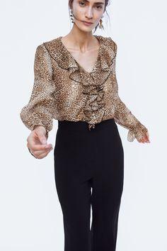 Animal Print Fashion, Animal Print Dresses, Cute Blouses, Blouses For Women, French Women Style, Designs For Dresses, Party Dresses For Women, Beautiful Blouses, Zara Dresses