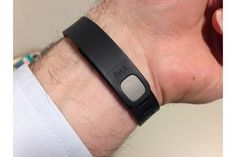 Some Fitbit Flex users have experienced problems with their device holding a charge after a few months of use. Here's what to do if that happens. Fitbit Hr, Fitbit Bands, Fitbit Alta, Fitness Tracker, Fitness Diet, Fit Bit Charge 2, Best Fitness Watch, Track Workout, Get Healthy