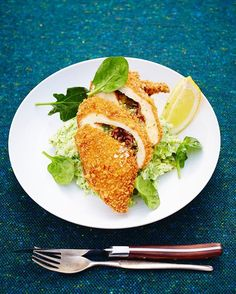 WEBSTA @ jamieoliver - One for the weekend! Homemade Chicken Kiev... Quality chicken stuffed with garlicky butter and crispy crumbled bacon, then coated with golden breadcrumbs – you know it's going to be good.. Recipe in my Comfort Food book gang! J X