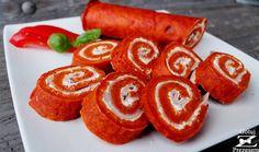 Gotuj z Prezesem: Pomidorowa rolada z szynką Meat Recipes, Snack Recipes, Yummy Snacks, Yummy Food, Food Carving, Food Test, Food Platters, Food Inspiration, Food Videos