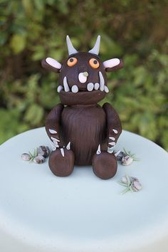 Free Tutorial - How to make a gruffalo cake topper by Casa Costello, via Flickr