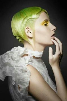 yellow. hair. Seguici diventa nostra fan ed entrerai nel mondo fantastico del Glamour   fashion chic luxury street style hair man hair woman