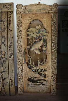 дверь в парную Рыбы массив липы Художественная Резьба По Дереву, Деревенский Декор Древесины, Деревянные Таблички, Cool Ideas, Двери, Молдинги, Arquitetura, Рисунки, Рыбы