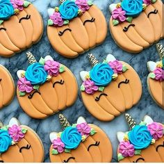 "🦄𝐔 𝐍 𝐈 𝐂 𝐎 𝐑 𝐍 ♡ 𝐏 𝐀 𝐑 𝐓 𝐘🌈 az Instagramon: ""Love this pic eventhough halloween passed #unicorn #unicornio #unicornios #unicorns #unicorn #unicornios #unicorno #unicorni #unicorns…"" Cupcake Cakes, Cupcakes, Cookie Decorating, Halloween Party, Birthday, Desserts, Food, Decorated Cookies, Baby"