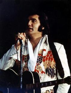 Elvis Presley See See Rider. Elvis Presley, Rock And Roll, Elvis In Concert, Most Beautiful Man, Rey, The Voice, First Love, Kimono Top, King