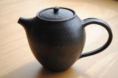 Iron Teapot | Shinobu Hashimoto