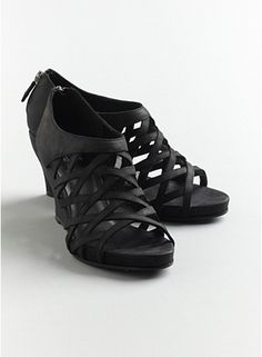 7c7b087eb606 Cage Wedge Sandal in Italian Buffed Leather Elegant Outfit