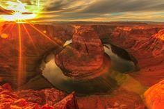 GRAND CANYON (EUA): O pôr-do-sol na famosa atração natural norte-americana é considerado um dos mais belos do mundo, com a luz entrando pelos imensos paredões rochosos do parque no Arizona