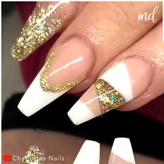 You can never go wrong with these cut-out designs! By Charlotes Nails on Youtube Nail Art Designs Videos, Nail Art Videos, Nail Designs, Classy Nails, Stylish Nails, Magic Nails, Best Acrylic Nails, Cut Out Design, Glitter Nail Art