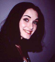 Winona Ryder 90s, Johnny And Winona, Winona Ryder Beetlejuice, Pretty People, Beautiful People, Winona Forever, 90s Girl, Grunge Hair, Art Design