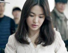 Song hye-kyo (born november is a south korean actress. Face Photography, Photography Women, Beauty Salon Decor Treatment Rooms, Age Of Youth, Songsong Couple, Song Hye Kyo, Beauty Hacks Video, Beauty Quotes, Korean Actresses