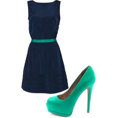 I am in love with navy lately especially with a pop of a bright color