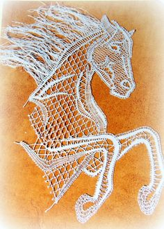 Afbeeldingsresultaat voor Stránky o paličkování Crochet Applique Patterns Free, Bobbin Lace Patterns, Crochet Motif, Embroidery Stitches, Embroidery Patterns, Horse Hair Jewelry, Romanian Lace, Teneriffe, Nail String Art