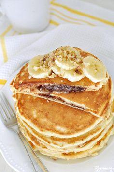 Pancakes με κρυφή γέμιση πραλίνας φουντουκιού / Nutella stuffed pancakes Healthy Breakfast Recipes, Vegetarian Recipes, Healthy Eating, Cooking Recipes, Nutella Pancakes, Sweet Tooth, Brunch, Vegan, Chocolate