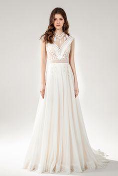 Harmony - BRIDAL - Chic Nostalgia - Bohemian and Romantic Wedding Dresses Bohemian Bride, Wedding Dress Styles, Romantic Weddings, Bridal Collection, Bridal Gowns, Fashion Dresses, Wedding Day, Nostalgia, Chic