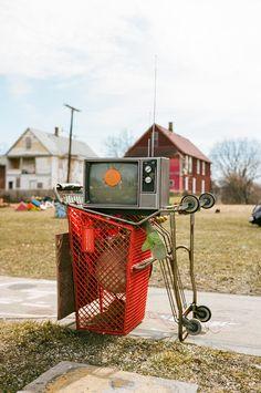 Portable TV. Voigtlander Bessa R3A, Voigtlander Nokton 40mm f/1.4, Kodak Portra 160 @ 80. 1/2000 @ f/2.8. #visibleinlight #analogdetroit