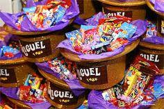 Resultado de imagem para aniversario a fantastica fabrica de chocolate Neon Party, Party Ideas, Breakfast, Food, Party, Chocolate Factory, Morning Coffee, Essen, Ideas Party