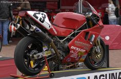 ducati 888 Desmo Corse. Bored out to 926 - the limit of the now old engine block.