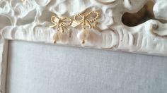 ひと粒パールのピアス Napkin Rings, Home Decor, Homemade Home Decor, Decoration Home, Napkin Holders, Interior Decorating