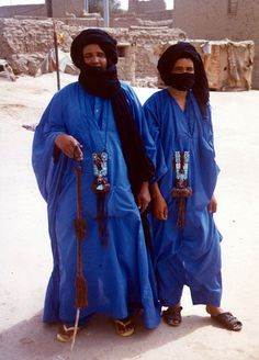 With so much physical variation in one tribe, I've decided to post photos of the Tuareg of Mali. The Tuareg call themselves by the following names: * Amajagh (a Tuareg man). * Tamajaq (a African Tribes, African Countries, Desert Clothing, Tuareg People, Big Country, Tribal Patterns, People Of The World, North Africa, World Cultures