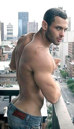 Male Models, Hot Guys & Muscular Beauty