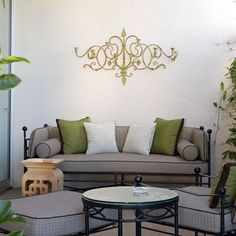 green spray paint--Wall Art Design, Pictures, Remodel, Decor and Ideas - page 3