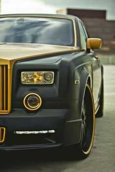 Rolls Royce Is One Of The Most Luxurious Car Ever Been Produced. Here Are The 10 Super Astonishing Rolls Royce Matte Photos Voiture Rolls Royce, Rolls Royce Cars, Rolls Royce Black, Lamborghini, Bugatti, Ferrari Car, Supercars, Most Expensive Luxury Cars, Porsche 918 Spyder