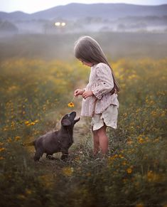 Elena Shumilova #enfant #ferme #animal #child