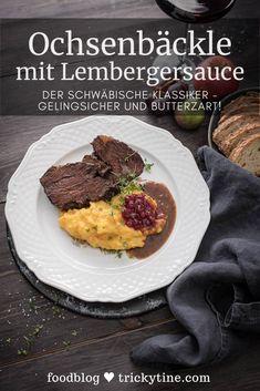 Leckere Ochsenbäckle aus heimischem Rind - butterzart geschmort! Dieses Rezept lässt sich toll vorbereiten und ist quasi gelingsicher. Dazu Kartoffelstampf und Lembergersauce. Rezept von trickytine - Foodblog aus Stuttgart. #recipe #rezept #foodblog #foodblogger #schwäbischeküche #schwäbisch #regional Good Food, Yummy Food, Fabulous Foods, International Recipes, Creative Food, Easy Peasy, All You Need Is, Nutrition, Favorite Recipes