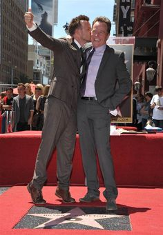 Paul with Bryan Cranston getting his star on the walk of fame!Aaron Paul with Bryan Cranston getting his star on the walk of fame! Best Tv Shows, Favorite Tv Shows, Breaking Bad Cast, Breking Bad, Hogwarts, Aaron Paul, Bryan Cranston, Walter White, Hollywood Walk Of Fame