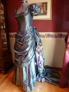 Victorian 1870s Evening Dress or Ball Gown with Bustle Green Blue Taffeta | eBay