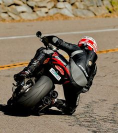Moto Bike, Motorcycle Jacket, Ducati Desmo, Ducati Monster 821, Honda, Bike Leathers, Biker Boys, Sportbikes, Cars And Motorcycles