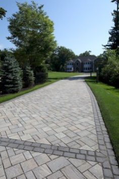 33 Ideas for Simple Walkways In Your Front Yard Design Ideas For Simple Walkways In Your Front Yard Design 30 Modern Front Yard, Front Yard Design, Fence Design, Patio Design, Design Design, Design Ideas, Front Yard Walkway, Outdoor Walkway, Front Yard Landscaping