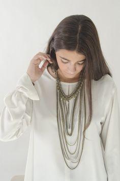Collar bronce