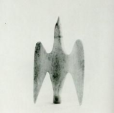 jaume-pinya: Sculpture of the Inuit: Masterworks of the Canadian Arctic' Arte Inuit, Inuit Art, Native Art, Native American Art, Animal Sculptures, Sculpture Art, Art Premier, Plastic Art, Indigenous Art