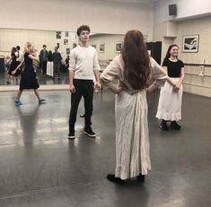 Anne with an E ensaio da dança behind the scenes Anne Shirley, Amybeth Mcnulty, Gilbert And Anne, Anne White, Anne With An E, Gilbert Blythe, Cuthbert, Celebs, Celebrities