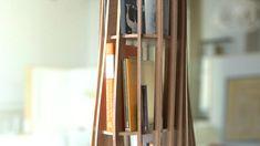 """Bibliothèque """"Rouah"""" réalisé en frêne. Elle peut accueillir un minimum de 120 livres avec une surface au sol réduite. Dimensions : 50 cm x 50 cm x 200 cm Produits en auto-édition et fabriqués en France. Nous pouvons ensemble choisir d'autres essences de bois pour des modèles personnnalisés."""