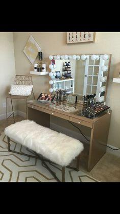 Bedroom vanity table white