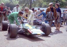 Jochen Rindt - Lotus 69 Cosworth FVA - Jochen Rindt Racing - XVIII Grand Prix de Rouen 1970 - Non championship race Grand Prix, Jochen Rindt, Lotus F1, Gilles Villeneuve, Indy Cars, F1 Racing, Car And Driver, Formula One, Race Cars