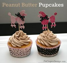 Homemade Peanut Butter Pupcakes. These doggy cupcakes are perfect for your pup's birthday or just for a special treat. #dogs #homemade #diy