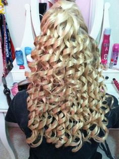 Cheer Spiral Curls.