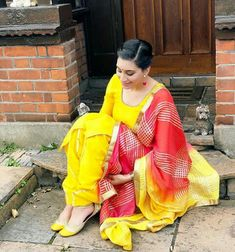 Punjabi Suits, Salwar Suits, Romantic Gif, Shalwar Kameez, Neck Pattern, Bridal Outfits, Retro Dress, Simple Dresses, Traditional Outfits