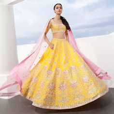 Anita Dongre launches her spring-summer collection 2020 in handwoven organza, silk brocades, tissue fabrics, and raw silk. Eid Dresses, Indian Dresses, Indian Outfits, Indian Clothes, Mehendi Outfits, Bridal Outfits, Bridal Lehenga, Lehenga Choli, Anarkali