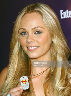 Actress Laura Vandervoort of 'Smallville' who portrays Supergirl attends the Entertainment Weekly and the Sci-Fi Channel 2007 Comic Con Party on July 2007 at the Hotel Solamar in San Diego, California. Kate French, Two Piece Pants Set, Blonde Actresses, Sci Fi Comics, Laura Vandervoort, Elsa Pataky, Prettiest Actresses, Alicia Vikander, Canadian Actresses